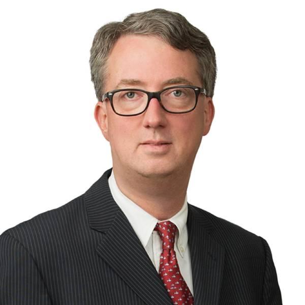 Über den Autor: Tom Belknap ist Partner im New Yorker Büro von Blank Rome LLP. Toms Tätigkeitsschwerpunkte liegen in der Schifffahrt sowie in internationalen Handelsstreitigkeiten und Schiedsverfahren. Tom ist seit 2009 bei CHAMBERS USA als führender US-amerikanischer Rechtsanwalt für Schifffahrtsstreitigkeiten anerkannt. Er ist Co-Autor der siebten Ausgabe von TIME CHARTERS und der jährlichen Überarbeitungen von BENEDICT ON ADMIRALTY VOL. 3A - DAS RETTUNGSRECHT. Zuletzt hat er ein Kapitel zur Durchsetzung von Arbitrati verfasst
