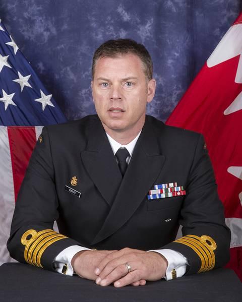 Ο συγγραφέας: Captain Todd Bonnar, MSC, CD από τον Καναδά προΐσταται την Ομάδα Ανάλυσης Warfare σε συνδυασμένες κοινές επιχειρήσεις από το Κέντρο Θαλάσσιας Αριστείας στο Norfolk, VA. Είναι κάτοχος πτυχίου Κοινωνικών Επιστημών από το Πανεπιστήμιο της Οτάβα και μεταπτυχιακών σπουδών από το Βασιλικό Στρατιωτικό Κολλέγιο του Καναδά.