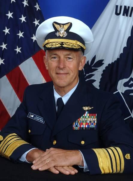 Комендант береговой охраны США Ад. Пол Ф. Зукунфт