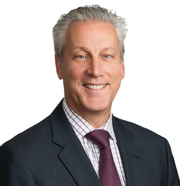 Уильям Беннетт является партнером в нью-йоркском офисе LLP Blank Rome. Он является руководителем группы по совместной практике Группы по морской и международной торговле и выпускником SUNY Maritime. До своей юридической карьеры он плавал в качестве лицензированного офицера на борту различных типов судов. Его практика направлена на обслуживание клиентов на мировых рынках судоходства, энергетики и международной торговли. Он консультирует владельцев, операторов, менеджеров, фрахтователей, трейдеров, морские терминалы и логистические компании.