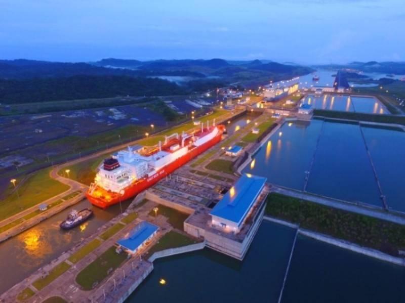 巴拿马运河在一天内过境了四艘液化天然气船,标志着水路的第一艘。 (图片:巴拿马运河管理局)