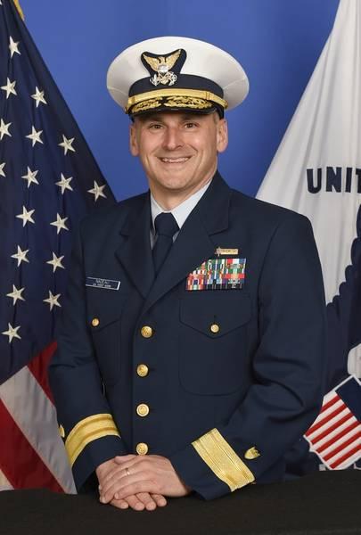 海军卫队预防政策助理指挥官John Nadeau少将
