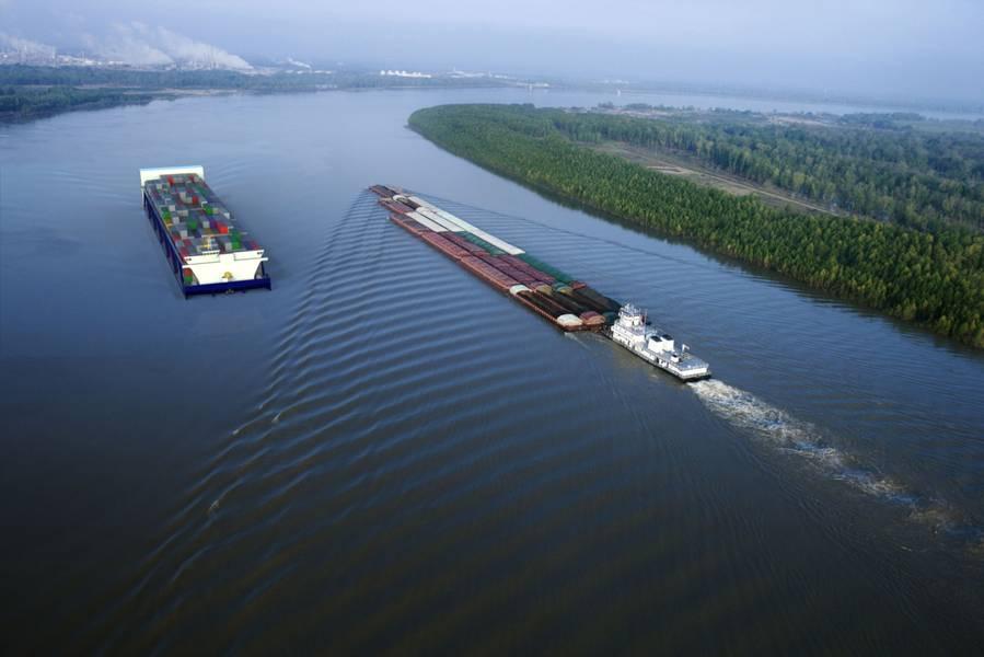 Datei Bild: American Patriot Container Transport LLC