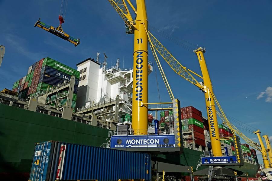 • Dois LHM 800 já estão operando no porto de Montevidéu, no Uruguai. (Foto: Guindastes Marítimos Liebherr)