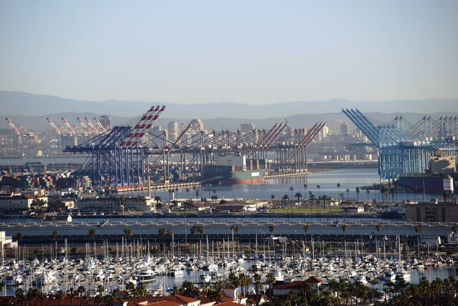 Imagem do arquivo: o porto de Los Angeles / CREDIT: Adobestock / © Ginton