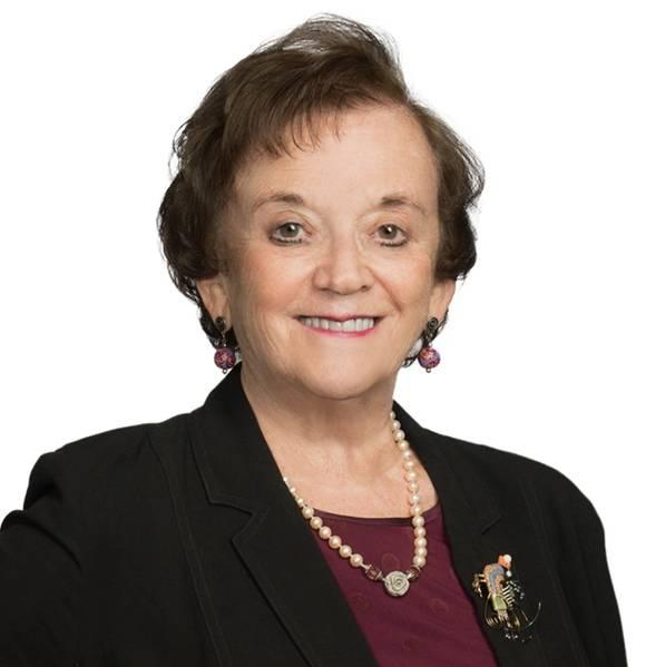 Η Joan Bondareff είναι δικηγόρος στο γραφείο της κενής Ρώμης στην Ουάσινγκτον, που επικεντρώνει την πρακτική της στις θαλάσσιες μεταφορές, το περιβάλλον, την κανονιστική, την ανανεώσιμη ενέργεια και τα νομοθετικά θέματα. Αυτή τη στιγμή υπηρετεί ως πρόεδρος της Αρχής Ανάπτυξης Αιολικού Πάρκου της Βιρτζίνια (VOWDA), διορισμός από τους διοικητές της Βιρτζίνια Terry McAuliffe και Ralph Northam, όπου προωθεί την υπεράκτια αιολική και ανανεώσιμη ενέργεια για την Κοινοπολιτεία της Βιρτζίνια.