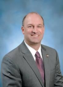 Jonathan Daniels, director ejecutivo de la Autoridad Portuaria del Estado de Mississippi en Gulfport