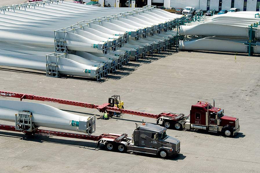 Lâmina do moinho de vento se preparando para embarque (Fonte: FedNav)