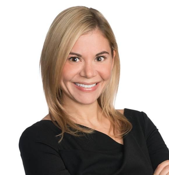 Lauren Wilgusは、Blank Rome LLPのニューヨークオフィスの弁護士です。ウィルガスは、国際および海事訴訟および紛争解決の分野に専念しています。彼女の業務は、世界の海運、エネルギー、国際貿易市場のすべてのセクターの顧客にサービスを提供することに焦点を当てています。会社に入社する前、ローレンは日本の大手海運会社の保険金請求調整者として、また英国P&Iクラブの保険金請求役員として働いていました。