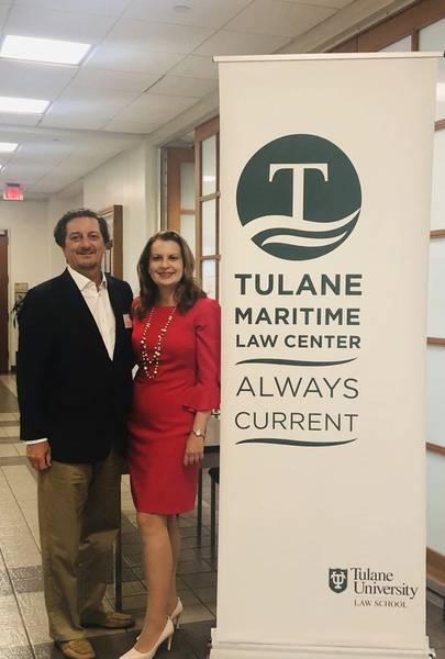 ボリアナは、彼女のキャリアを通じて彼女を支えてきたコミュニティへの恩返しを楽しんでいます。彼女の母校であるTulane Law Schoolの海軍司法センターの所長Martin Daviesは、最近学生にプレゼンテーションを行いました。