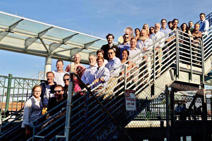 SMTP-Preisträger posieren für einen Gruppenausflug, wenn sie sich verbinden und ihre Erfahrungen austauschen. Gutschrift: SMTP