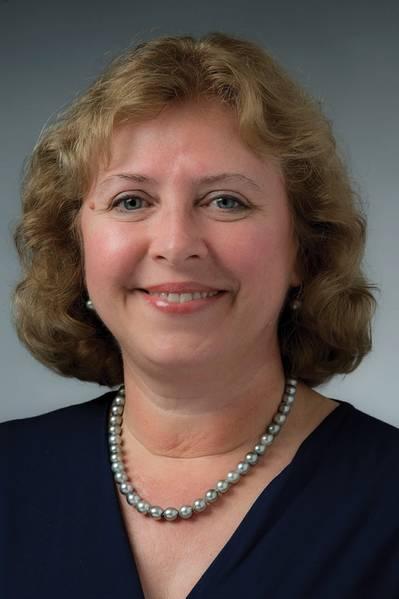 Suzanne Beckstoffer, una exitosa líder de ingeniería y mujer de negocios, la primera mujer presidenta en los 125 años de historia de SNAME. Foto: HII / NNS