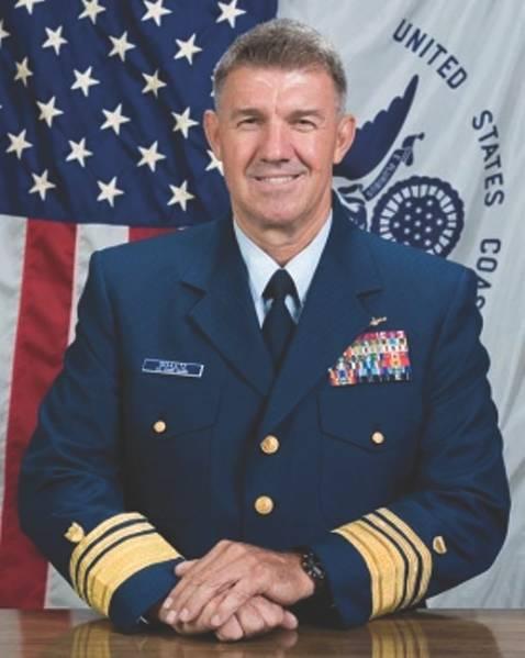 USCG Vice Adm. Schultz, o comandante da Área Atlântica da Guarda Costeira
