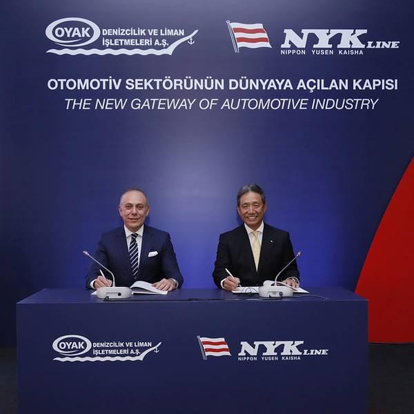 Von links Süleyman Savaş Erdem, Geschäftsführer von OYAK Koichi Chikaraishi, stellvertretender Direktor der NYK und leitender leitender Angestellter