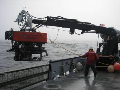 Undersea Vehicle Lowering: Photo credit Los Gatos Research