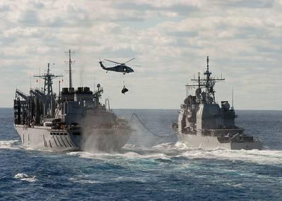 Εικόνα Αρχείου: Πολεμικά πλοία των ΗΠΑ που βρίσκονται σε εξέλιξη και ασχολούνται με την ανανέωση. ΠΙΣΤΩΣΗ: Ναυτικό των ΗΠΑ