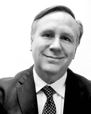 Ο συγγραφέας, David Cunningham.