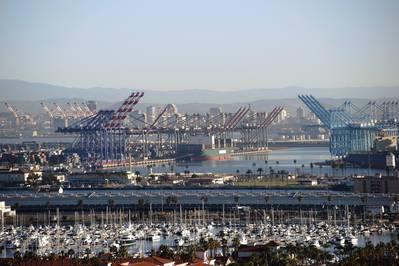 Изображение файла: порт Лос-Анджелеса / КРЕДИТ: Adobestock / © Ginton