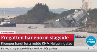 فرقاطة غارقة (لقطة شاشة لتغطية تدفق NRK على https://www.nrk.no/. NRK هي شركة الإذاعة العامة الإذاعية والتلفزيونية المملوكة للحكومة النرويجية)