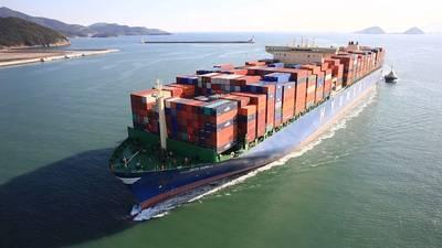 写真:現代商船