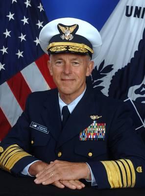 美国海岸警卫队司令Adm。Paul F. Zukunft