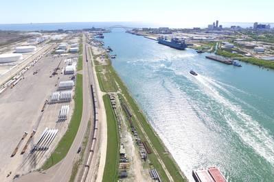 (Φωτογραφία: Λιμάνι του Corpus Christi)