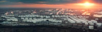 Una vista aérea del complejo de refinación de Houston (CRÉDITO: AdobeStock / © Irina K)