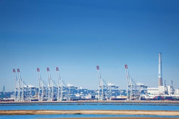 Порт Ла-Гавр (КРЕДИТ: Адобесток / © Сергей Новиков