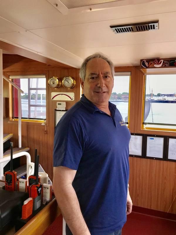 """कप्तान रॉबर्ट """"बॉब"""" ग्लास। फोटो: बीटीसी"""