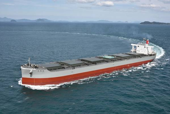 典型的煤炭运输船正在进行中(信用:K线)