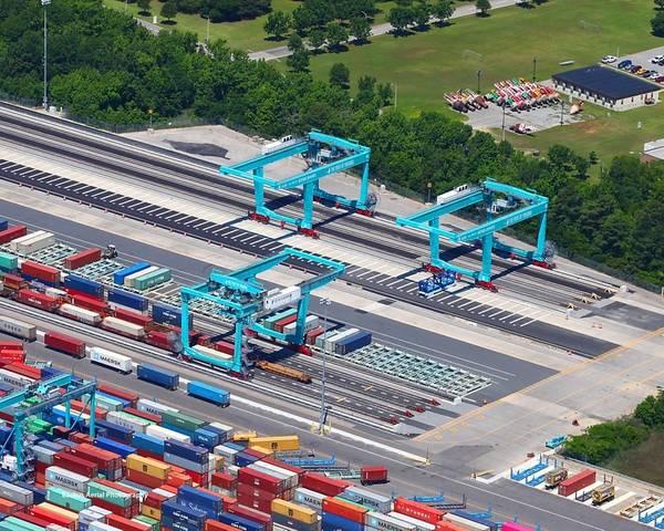 写真:バージニア港