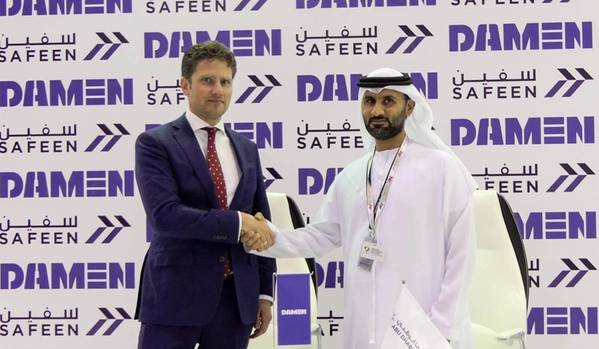 左からPascal Slingerland(Damen Shipyards Group地域セールスディレクター)、Adil Ahmed Banihammad(Safeenチーフマリーンサービスオフィサー)。写真:Damen Shipyards Group