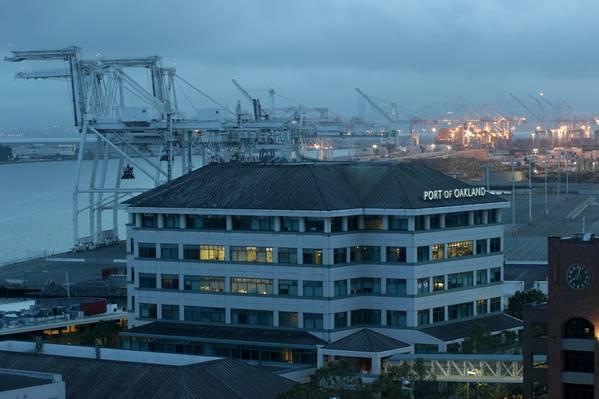 (Foto de archivo: Puerto de Oakland)