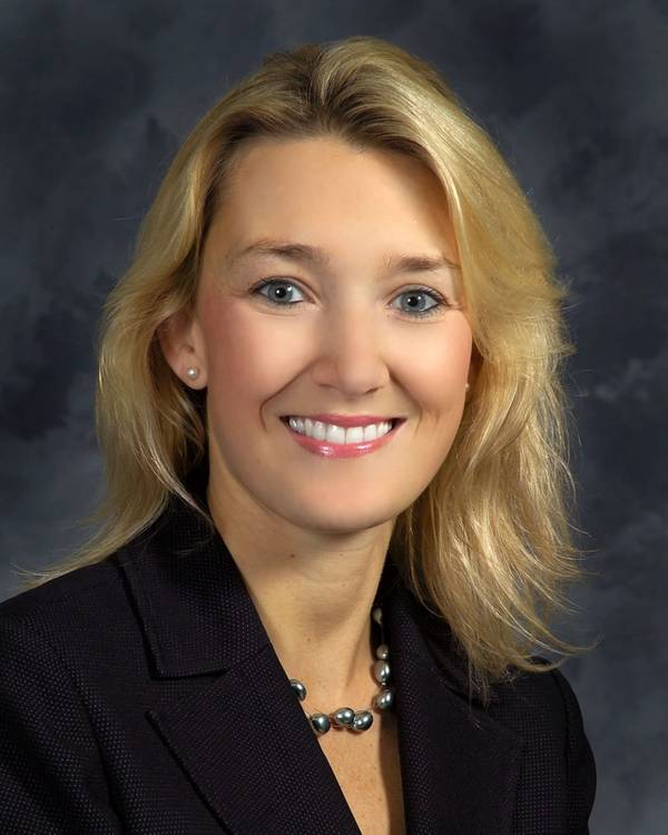 Christie Thomas, vicepresidenta de contratos y precios en su división Newport News Shipbuilding. (Foto: HII)