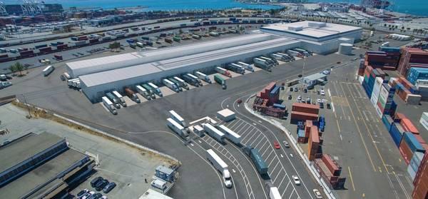 """""""La demanda en el extranjero de productos de alta calidad producidos en los Estados Unidos, especialmente en Asia, nunca ha sido más fuerte"""", Foto cortesía del Puerto de Oakland"""
