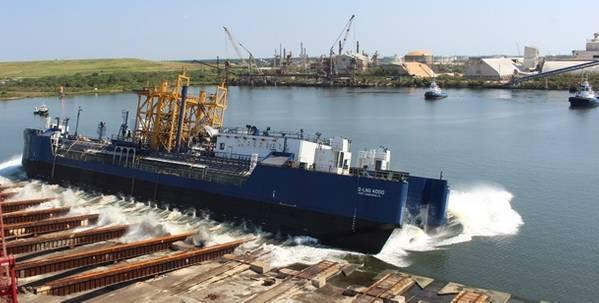 Η φορτηγίδα πλοίων Q-LNG 4000 ξεκίνησε από τον κατασκευαστή VT Halter Marine (φωτογραφία: VT Halter Marine)