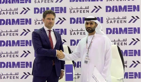 左からPascal Slingerland(Damen Shipyards Group地域セールスディレクター)、Adil Ahmed Banihammad(Safeenチーフマリーンサービスオフィサー)。写真:Damen Shipyards Group