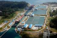 The container segment continued to serve as the leading market segment for tonnage through the Canal, accounting for 159 million tons of the total cargo received, of which 112.6 million PC/UMS tons transited the Expanded Canal. (Photo: Panama Canal Authority)