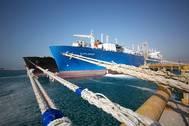 Excelerate's FSRU Explorer at DUSUP's Jebel Ali LNG Terminal in Dubai. (PRNewsFoto/Excelerate Energy L.P.)