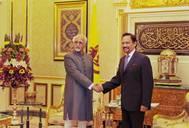 India's Vice President Hamid Ansari and Sultan of Brunei, Haji Hassanal Bolkiah Mu'izzaddin Waddaulah.  Photo Credit: PTI