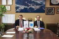 Martin Wernli, Vice President, 2-stroke, Wärtsilä Ship Power and Takashi Nakanishi, President of Diesel United