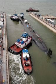 'Minnesota' Heads for NNS' Submarine Pier: Photo credit HII