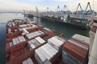 Photograph: Port of Rotterdam (by Freek van Arkel)