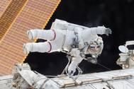 Scott Kelly on a Dec. 21, 2015 spacewalk (Photo: NASA)