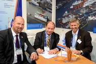 Don Vogler and the managing directors of Lloyd Werft Bremerhaven GmbH, Carsten J. Haake (left) and Ruediger Pallentin (right) (Photo: Lloyd Werft).