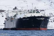 Last weekend, the marine safety bureau in northern Hebei sent several tugboats to the aid of vessels, such as LNG tanker Clean Planet and coal bulk tanker Agia Eirini Force, trapped in sea ice that was 1 meter (3 ft) thick, to help bring them to Caofeidian and Huanghua ports - Image by Geir Vinnes/MarineTraffic.com