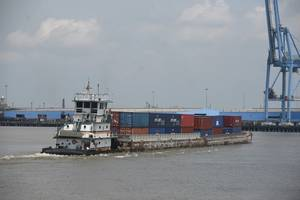 the Baton Rouge-NOLA container on barge service / CREDIT: Port of New Orleans