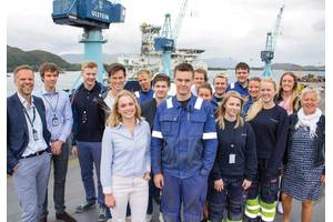 Future generations: Deputy CEO Tore Ulstein with Ulstein summer job hopefuls.