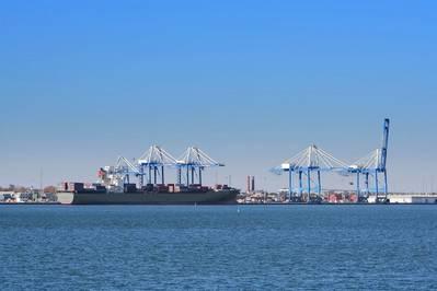 Port of Charleston, South Carolina (© Nataliya Hora / Adobe Stock)
