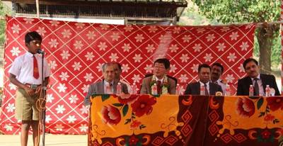 ClassNK Chairman and President Noboru Ueda (center) with Regional Manager of India A. Pradhan (left)